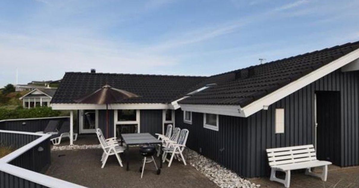 Holiday home in Hjejlevej with Hot tub II