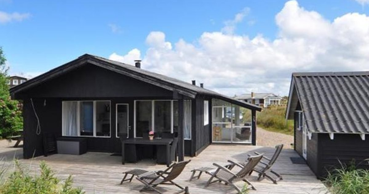 Holiday home in Hjejlevej Henne Strand I