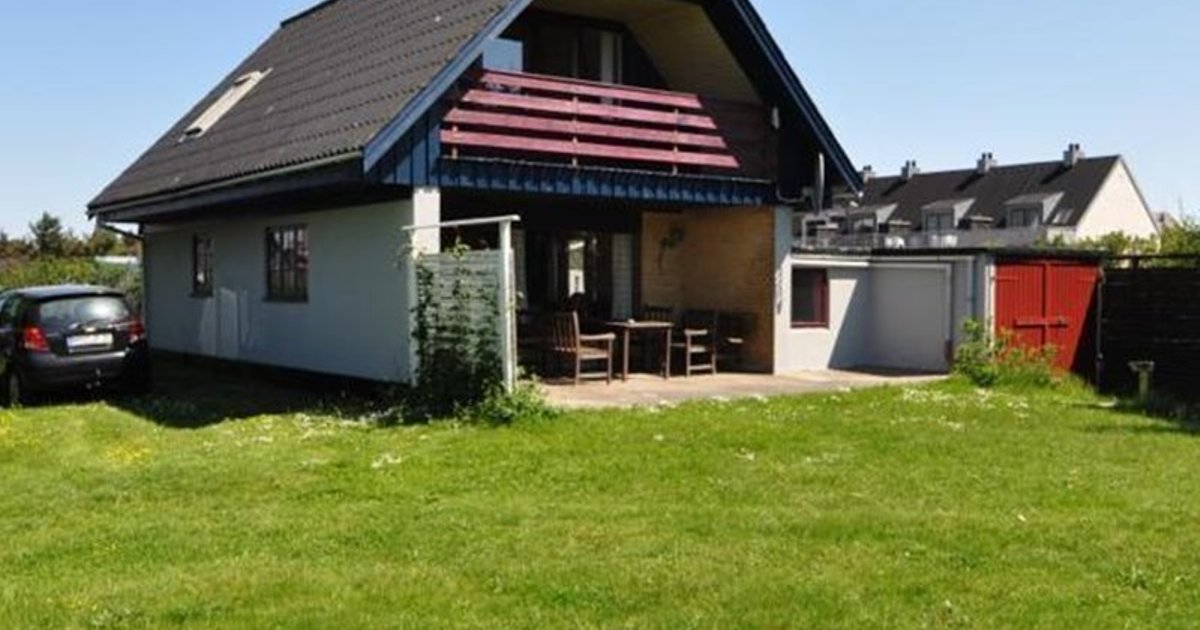 Holiday home in Gyvelvej Henne Strand V