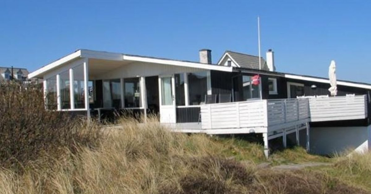 Holiday home Falkevejhenne IV