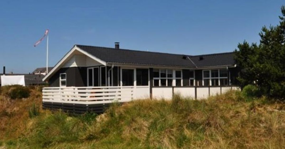 Holiday home Enebaervejhenne Strand