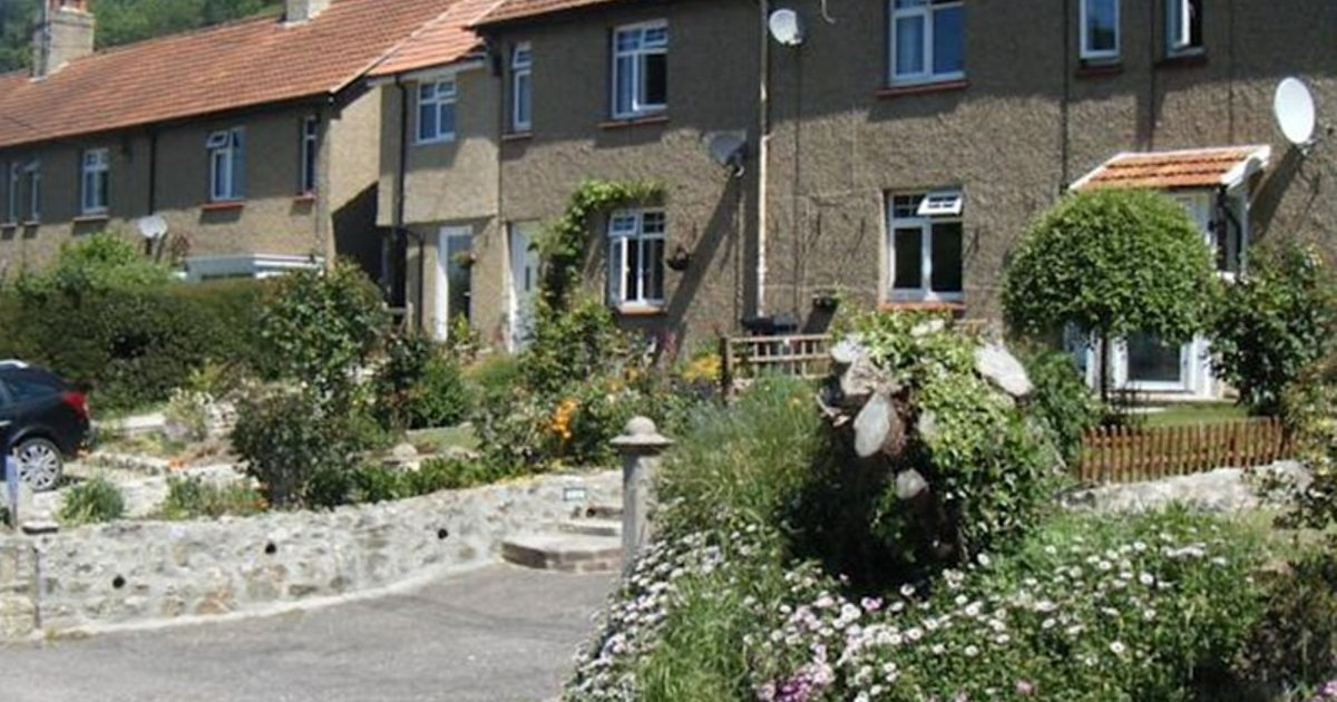 Coombe Cottage Bed And Breakfast