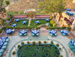 Neemrana hotels with swimming pool