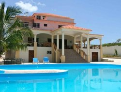 Barahona hotels with sea view