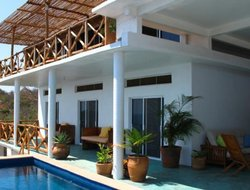Zipolite hotels with swimming pool