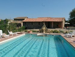 Pietraviva hotels with swimming pool