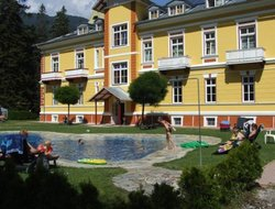 Pets-friendly hotels in Amlach