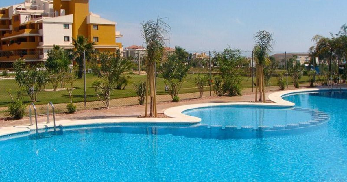 Apartment with communal pool in Punta Prima I