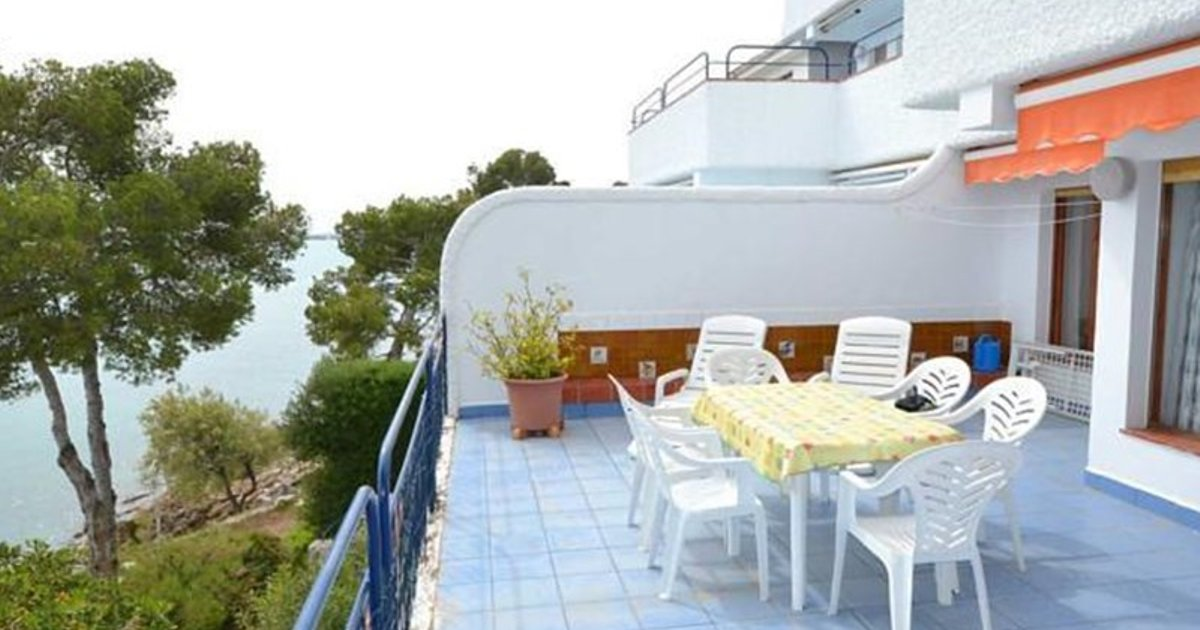 Three-Bedroom Apartment Ran de Mar