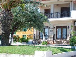 Pets-friendly hotels in Nea Roda
