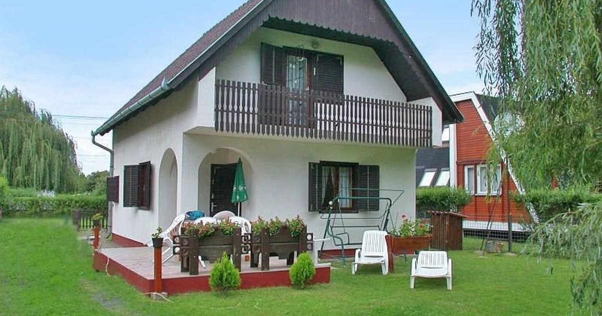 Holiday home Balatonbereny 19
