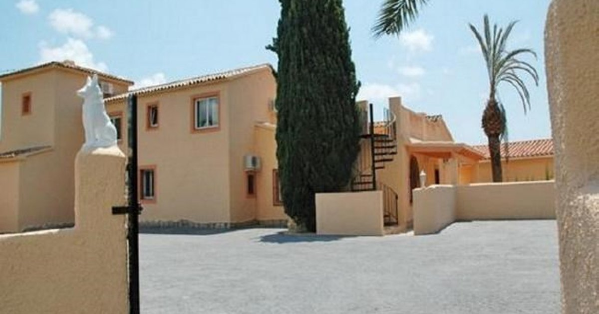 Bungalow with terrace, garden in Alicante