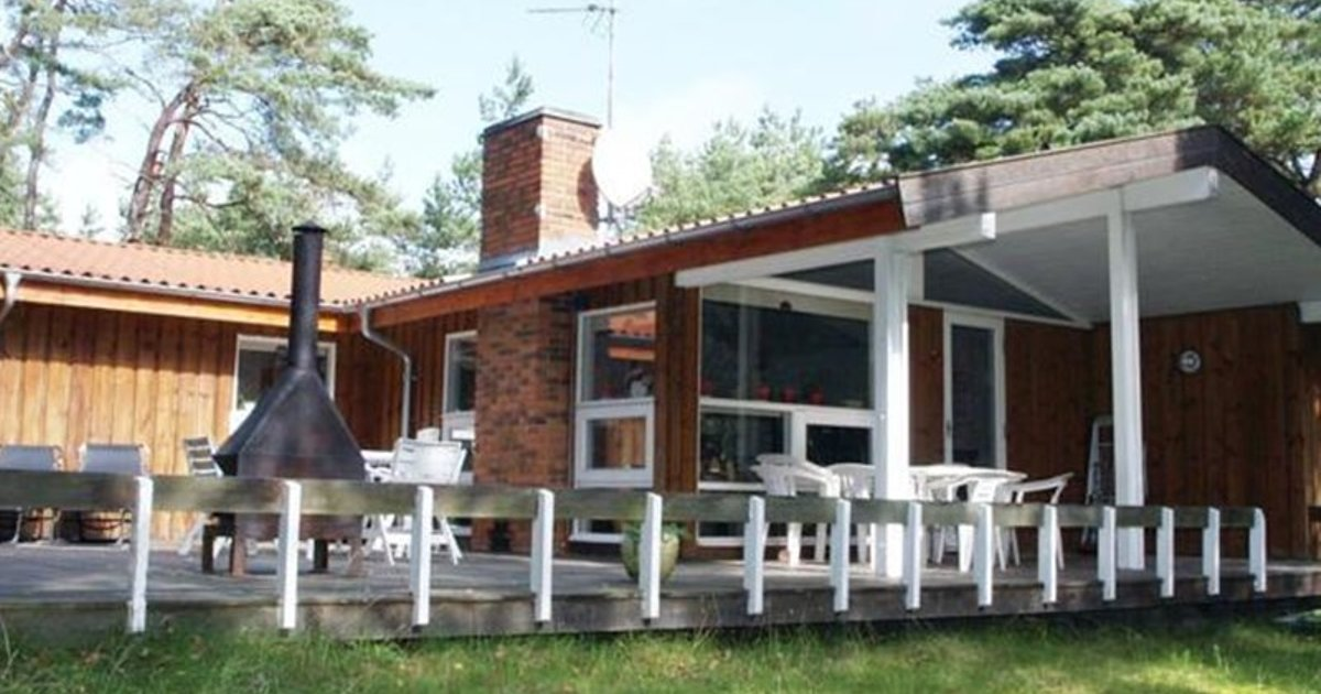 Holiday home Skovsangervej F- 4122