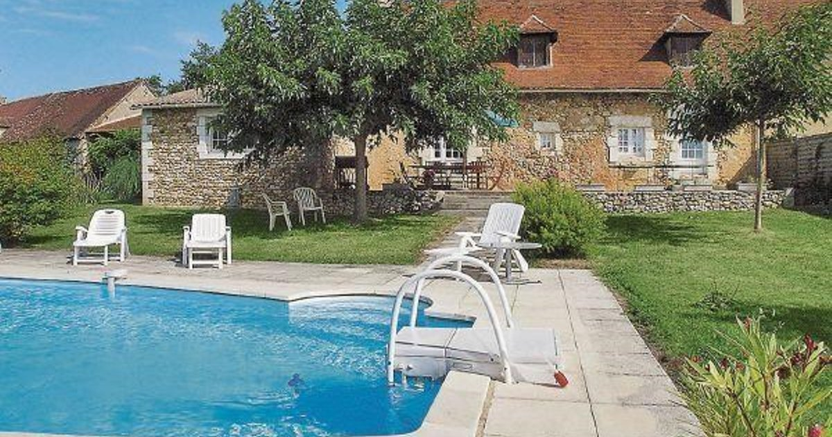 Holiday home Peyrat P-629