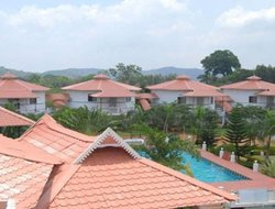Jalarpet hotels with swimming pool