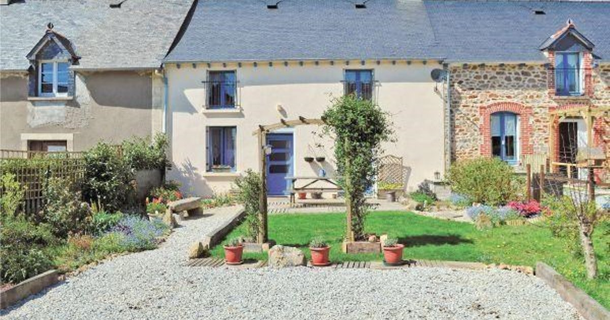 Holiday home Merdrignac 48