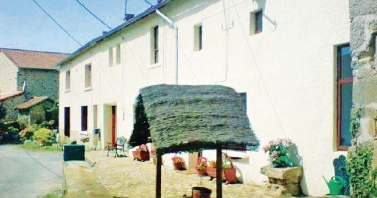 Holiday home St-Amand-Magnazeix MN-901