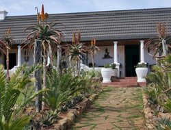 Buyskloof hotels with swimming pool
