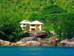 Praslin Island hotels with sea view
