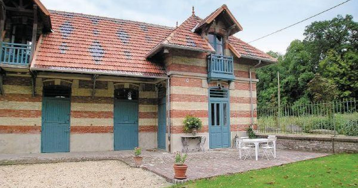Holiday home Lacroix Saint Ouen QR-1146