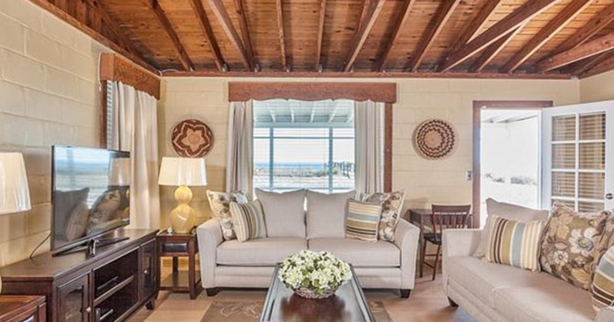 Seashell by Vacation Rental Pros