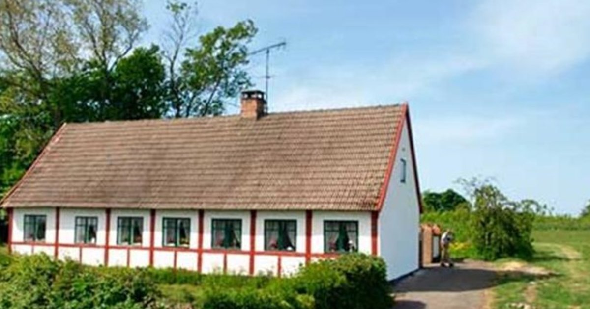 Holiday home Lyrsbyvej E- 2833