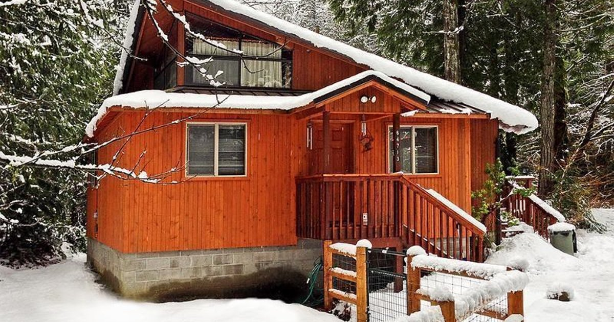Rustic River Paradise, Vacation Rental at Baring