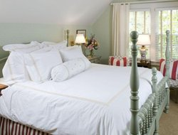 Top-4 hotels in the center of Edgartown