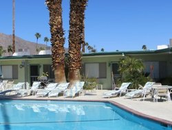 Palm Springs hotels with restaurants