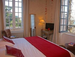 Douarnenez hotels with swimming pool