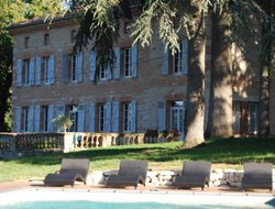 Lavaur hotels with swimming pool