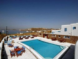 Top-3 romantic Paraga hotels