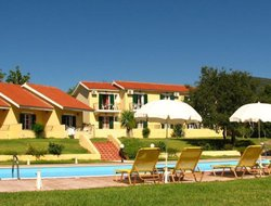 Karavadhos hotels with swimming pool