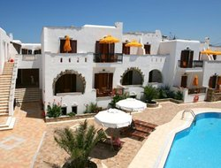 Agia Anna hotels with swimming pool