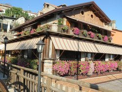 Agerola hotels with restaurants