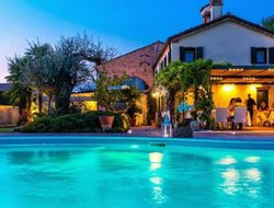 Mirano hotels with swimming pool