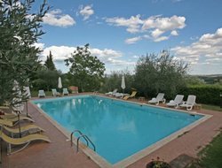 Monteriggioni hotels with swimming pool