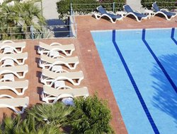 Valderice hotels with swimming pool