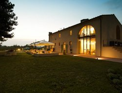 Top-4 romantic San Giuliano Terme hotels