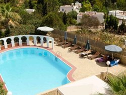 Cala Llenya hotels with swimming pool