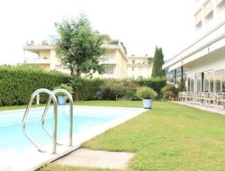 Minusio hotels with swimming pool
