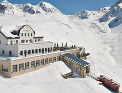 Top-6 hotels in the center of Samedan