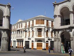 Top-10 hotels in the center of Arequipa