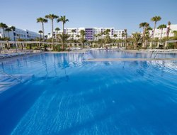 Maspalomas hotels with restaurants