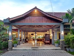Banyuwangi hotels with swimming pool
