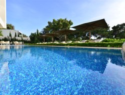 Athens hotels with swimming pool