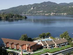 Pettenasco hotels with lake view