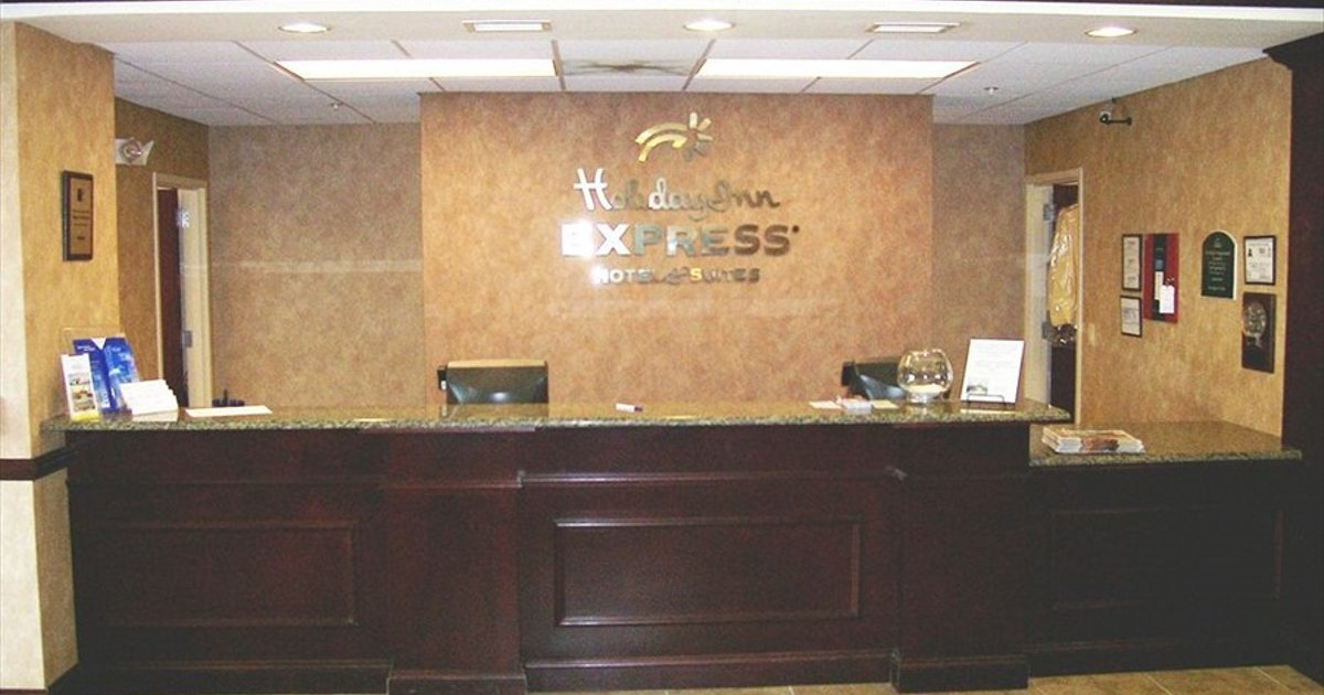 Holiday Inn Express Hotel & Suites - Concord