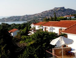 Top-7 hotels in the center of Mithymna