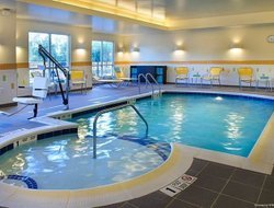 Watertown hotels with swimming pool